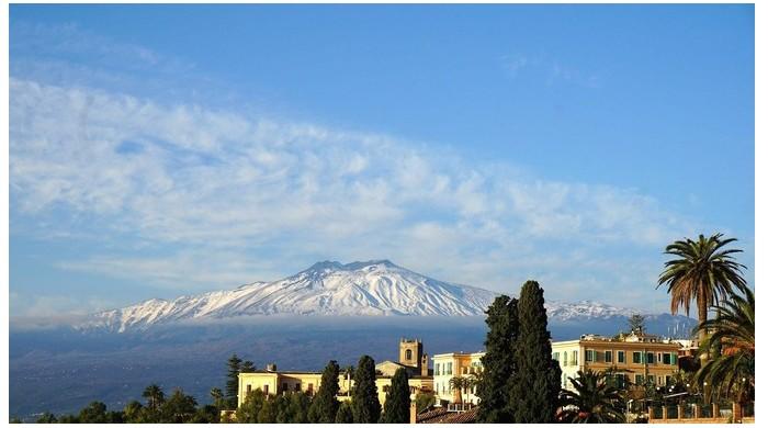 Le volcan l'Etna risque de provoquer un tsunami Er21