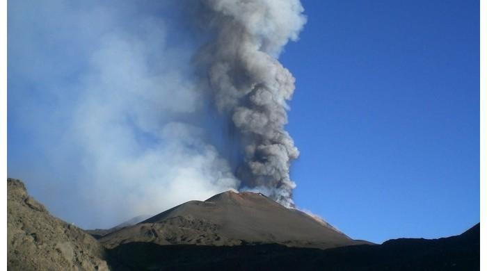 Le volcan l'Etna risque de provoquer un tsunami Er23