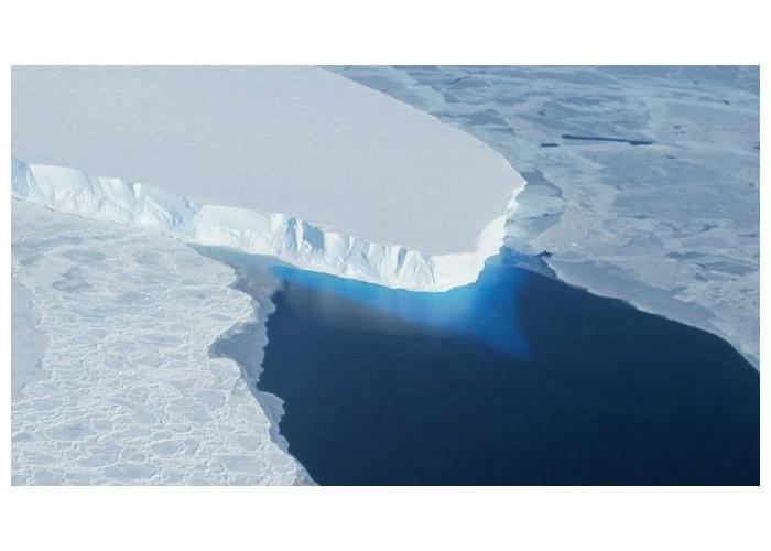 En Antarctique, un monstrueux glacier fond à une vitesse inquiétante K11