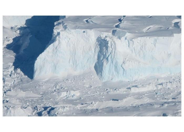 En Antarctique, un monstrueux glacier fond à une vitesse inquiétante K13