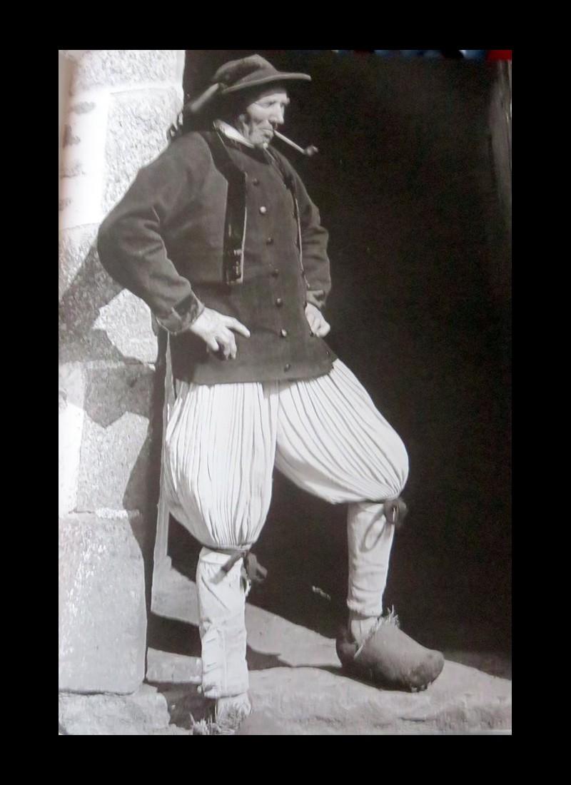 Le Costume Breton Sans1158
