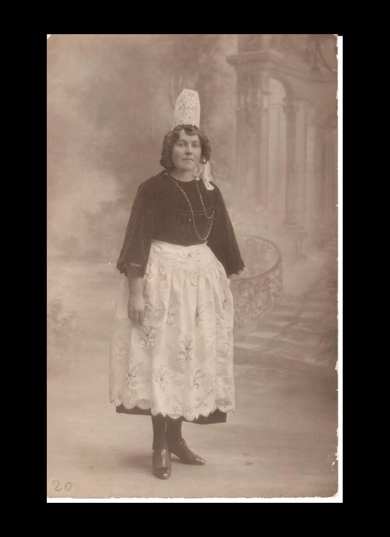 Le Costume Breton Sans1160