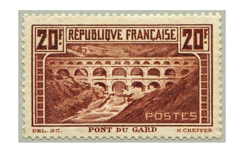 En 2019, le timbre-poste fête ses 170 ans (et sera encore plus cher) Sans1176