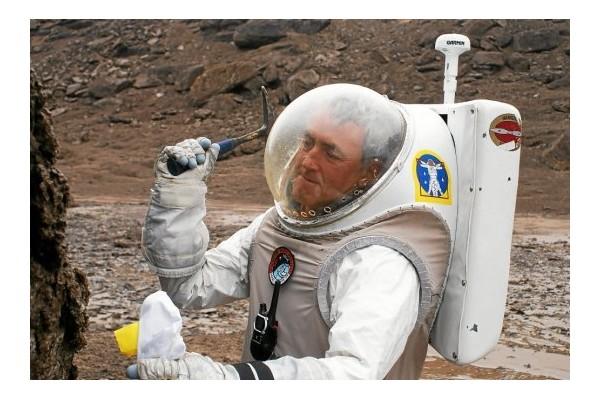 Charles Frankel. L'ami des astronautes qui ont marché sur la Lune Sans1293