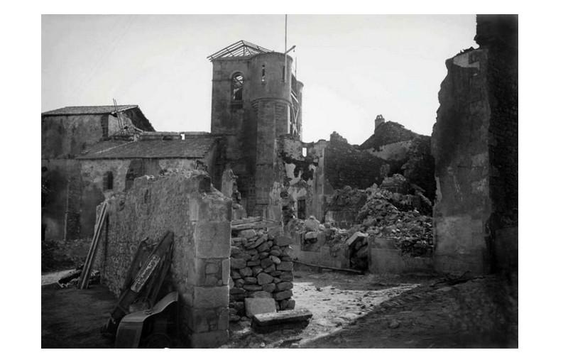 le massacre d'Oradour-sur-Glane Sans1439