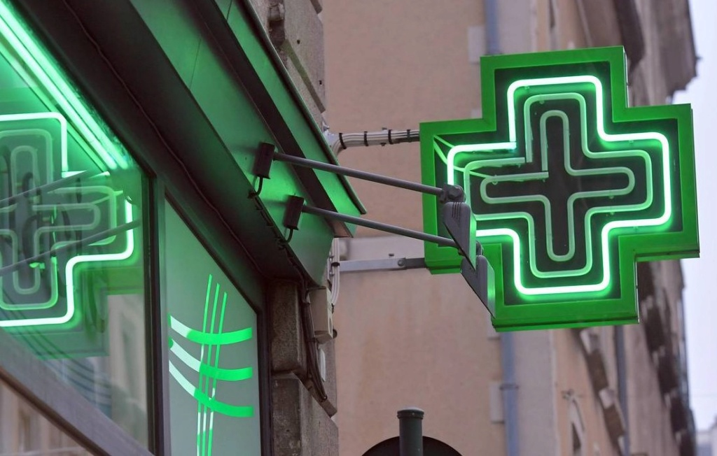 Les pharmaciens autorisés à délivrer certains médicaments sans ordonnance Sans1714