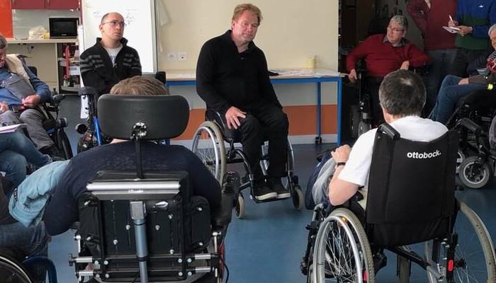 Côtes-d'Armor. Un maire en fauteuil roulant invite à noter les villes sur leur accessibilité Sans2071