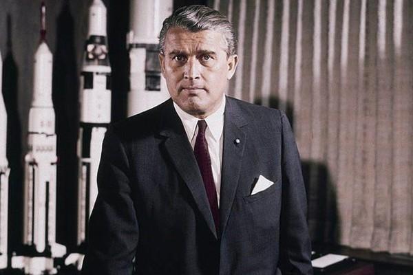 Von Braun, l'ancien nazi qui a permis aux Américains de marcher sur la Lune Sans2095