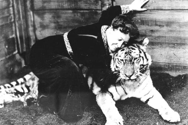 Qui est Alice Guy, pionnière du cinéma de fiction injustement oubliée ? Sans2336
