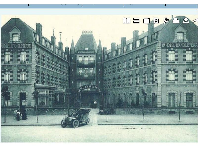 LES FACADES DE LA PLACE DUGUESCLIN (  LE GRIFFON)  Sans2360
