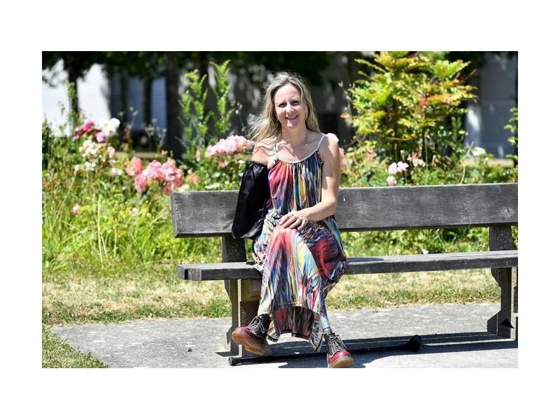 Priscille sera la première Française à bénéficier d'un bras bionique, la Nantaise témoigne Sans2364