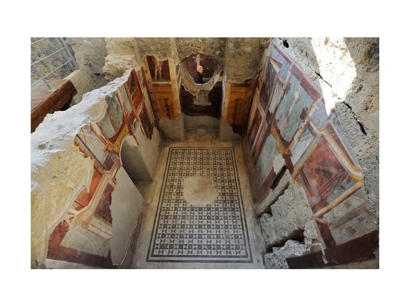 Enfouies sous la cité antique, des bombes de la Seconde Guerre mondiale menacent Pompéi Sans2384