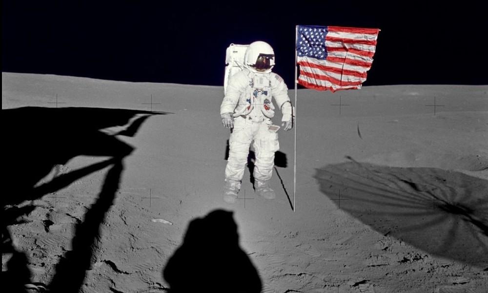 Espace. À qui appartient la Lune ? Sans2426