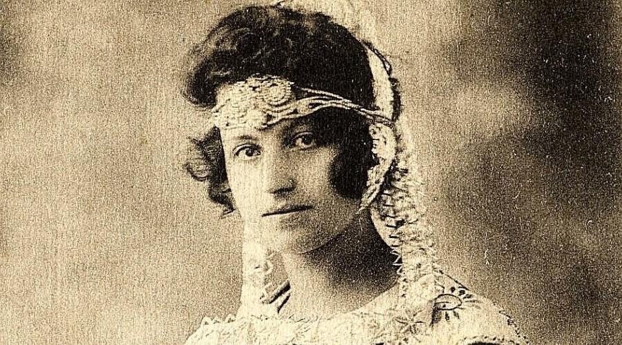 Festival de Cornouaille. Marie Guirriec, première reine en 1923 Sans2463