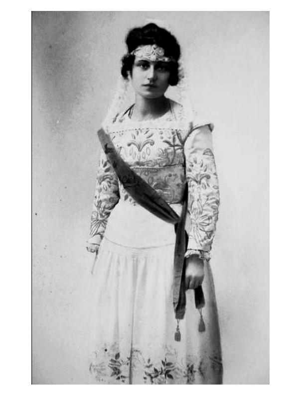 Festival de Cornouaille. Marie Guirriec, première reine en 1923 Sans2465