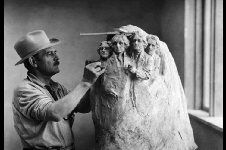 L'histoire de la pièce secrète du Mont Rushmore enfin dévoilée Sans2606