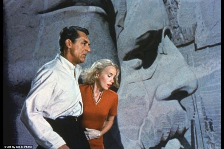 L'histoire de la pièce secrète du Mont Rushmore enfin dévoilée Sans2624