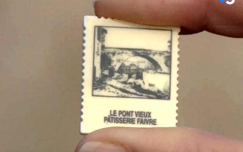 Tarn : les fèves de ce pâtissier reproduisent des vieilles cartes postales de sa ville Sans3601