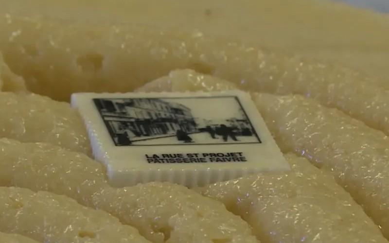 Tarn : les fèves de ce pâtissier reproduisent des vieilles cartes postales de sa ville Sans3604
