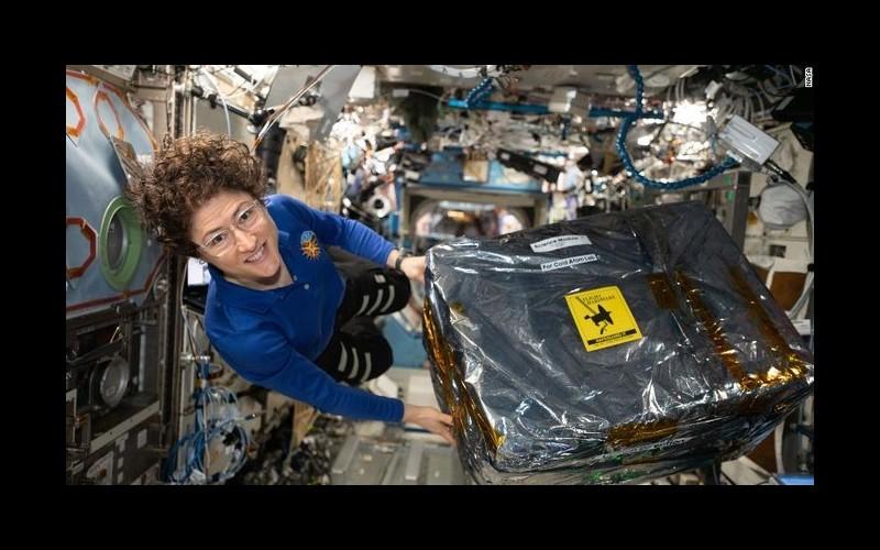 Qui est Christina Koch, l'astronaute qui a passé 328 jours dans l'espace ? Sans3711