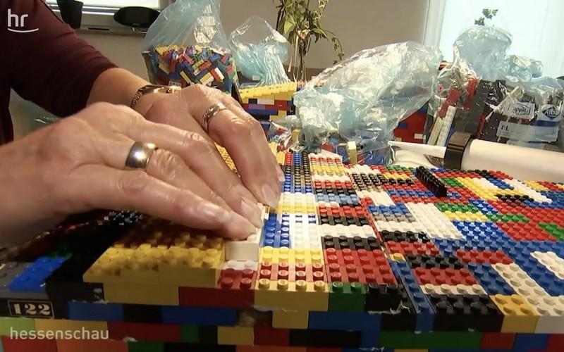 Cette Allemande construit des rampes en LEGO pour les personnes en fauteuil roulant Sans3792