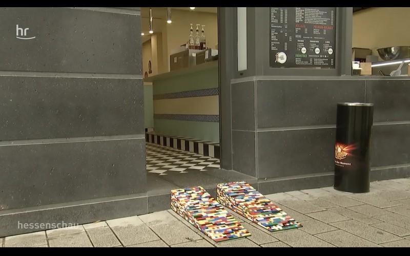 Cette Allemande construit des rampes en LEGO pour les personnes en fauteuil roulant Sans3795