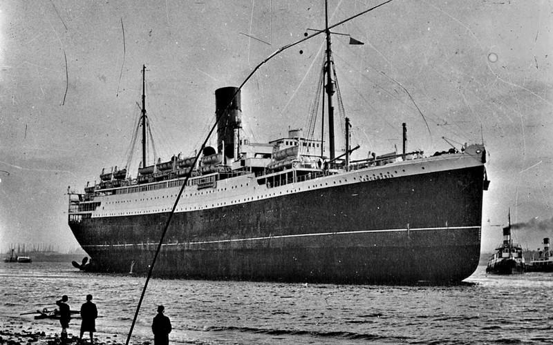 1936.Le paquebot LANCASTRIA s'est échoué sur Sans4544