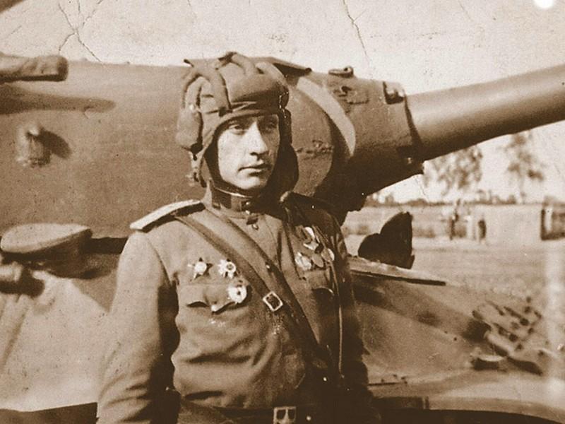 Connaissiez vous Zinoviy Kolobanov, légendaire tankiste de l'Armée Rouge ? Sans6024
