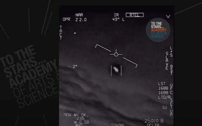 Des aviateurs américains disent observer des ovnis « tous les jours » Sans6101