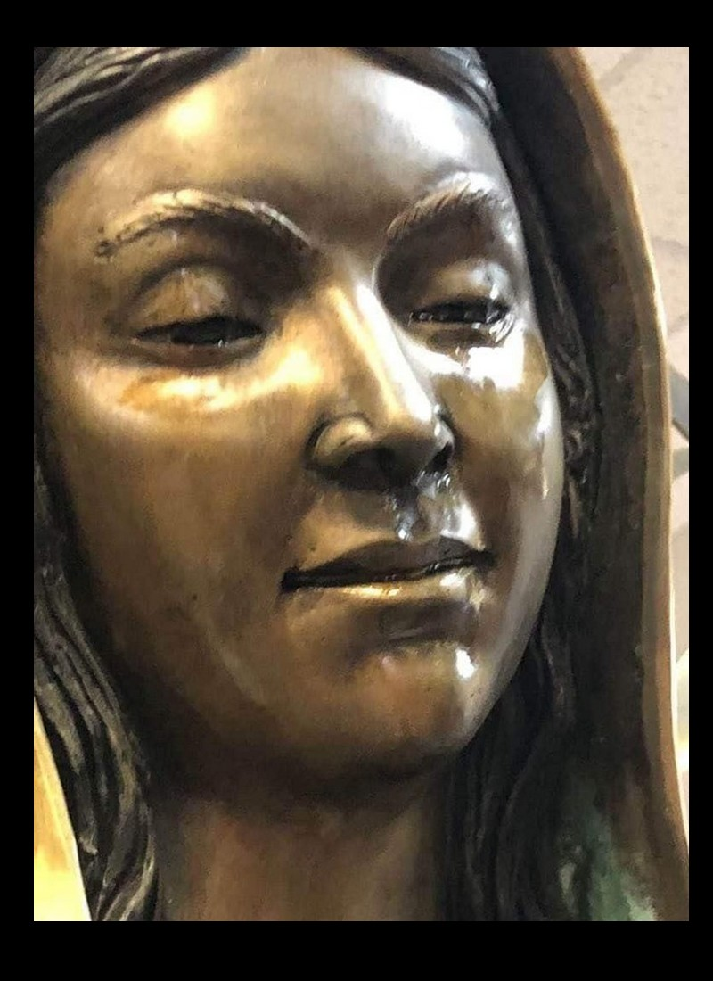 Le mystère de la Vierge qui pleure de l'huile d'olive Sans_198