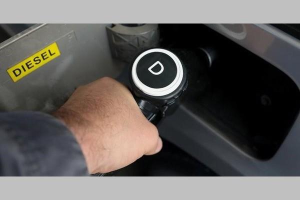 La chute du diesel, un casse-tête pour les pompistes Sans_449