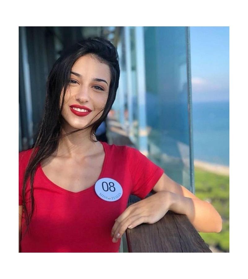 Qui est Chiara Bordi, la mannequin « bionique » ? Sans_454