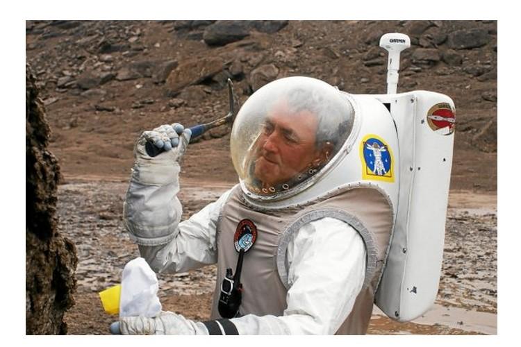 Charles Frankel. L'ami des astronautes qui ont marché sur la Lune Sans_591