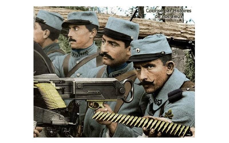 Colorisation d'un groupe de mitrailleurs français en 1915. Sans_771