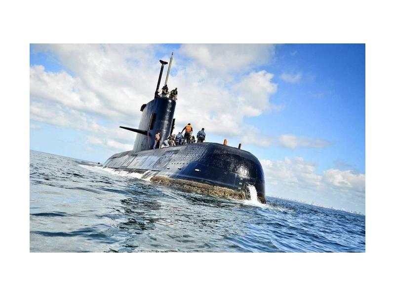 Un an après, le douloureux mystère du sous-marin argentin disparu Sans_915