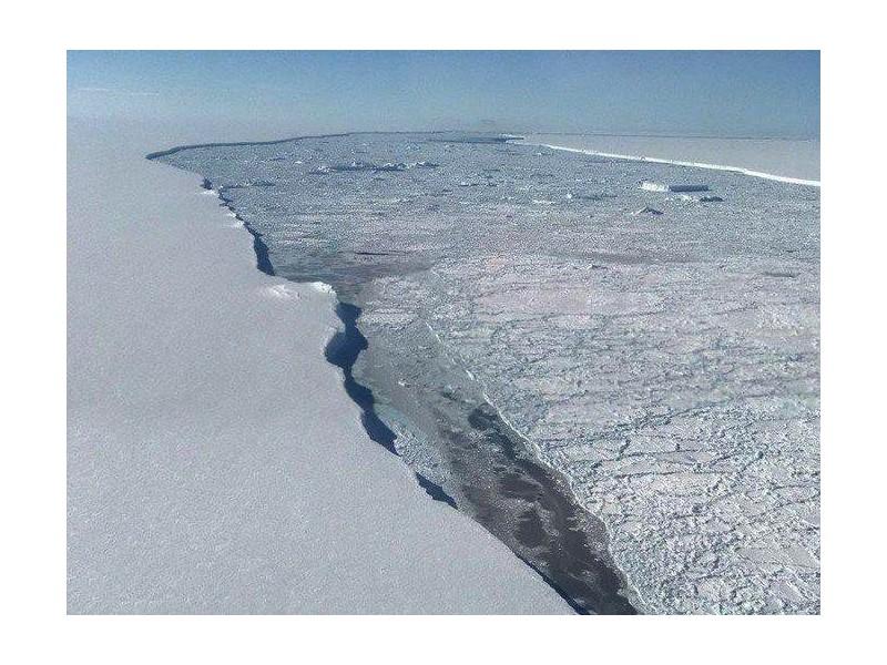 Un nouvel iceberg géant menace de faire monter le niveau des mers Vb13