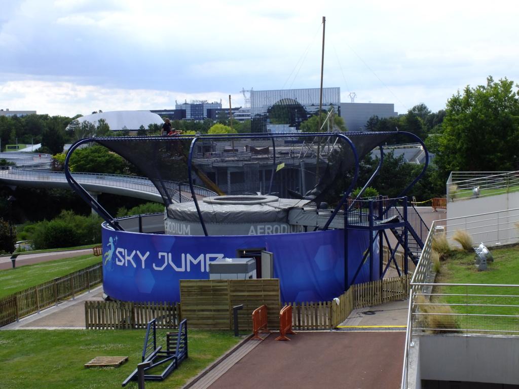 Sky Jump (simulateur de chute libre outdoor) – juillet-août 2018 Dscf3016