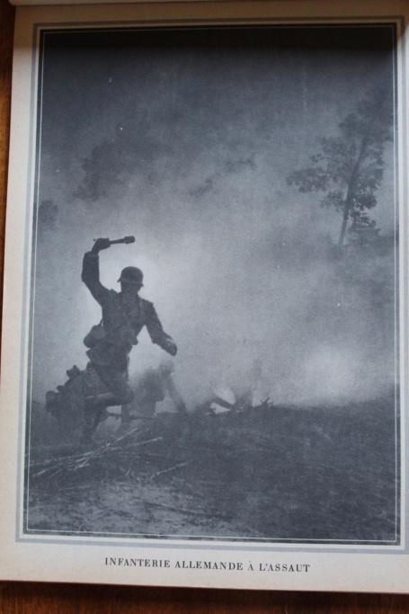 """Calendrier pour 1943 """"L'Ordre Nouveau est en Marche"""" Img_7933"""