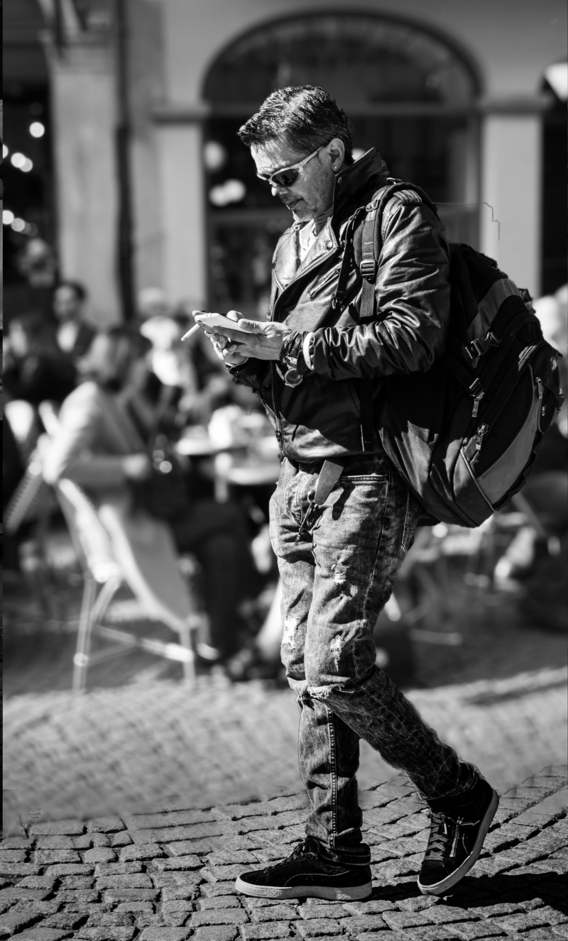 """Concours mars 2019 """"STREET PHOTO"""" - Page 5 L_homm10"""