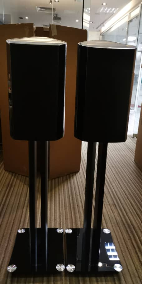 Sold - Sonus Faber Venere 2.0 speaker included original stands 0d98c010