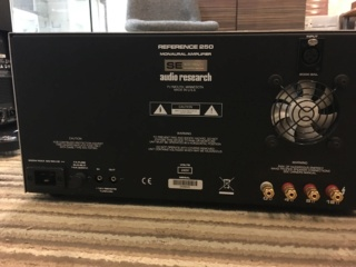 Audio Research Reference 250SE monoblock amplifier (Used) 142e7610