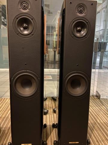 Sold - Sonus Faber Toy Tower floorstand speakers (Used) 2ed38b10