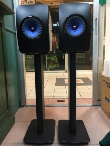 Withdraw - KEF LS50W wireless speaker with KEF speaker stands  (Used) 45fe2810
