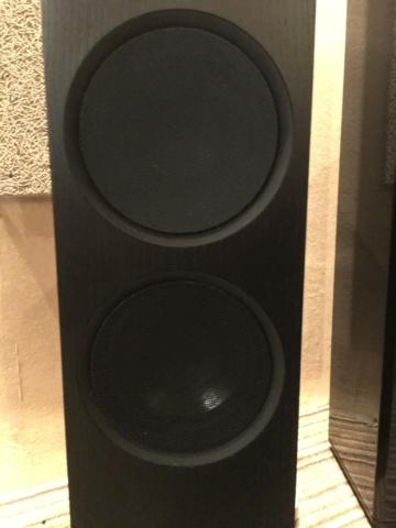 LINN Akurate 242 floorstand speakers (Demo) 52ab7210