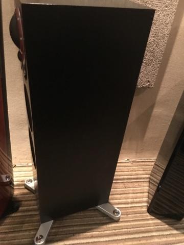 LINN Akurate 242 floorstand speakers (Demo) 673e7210