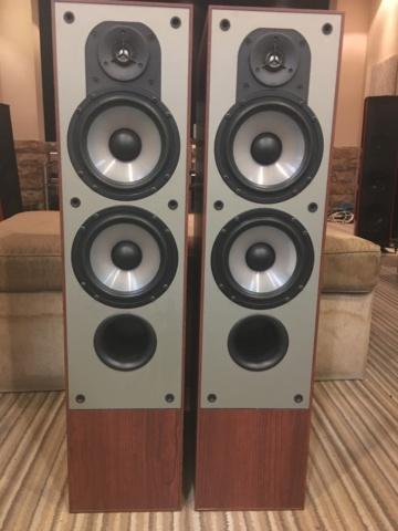 Sold - Paradigm Monitor 7v1 floorstand tower speakers (Used) 7666e110