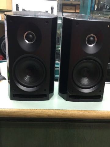 Sold - Sonus Faber Venere 2.0 bookshelf speakers (Used) 8f762310