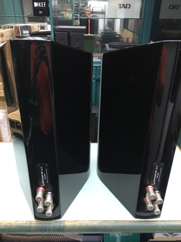 Sold - Sonus Faber Venere 2.0 bookshelf speakers (Used) Cf0b7510