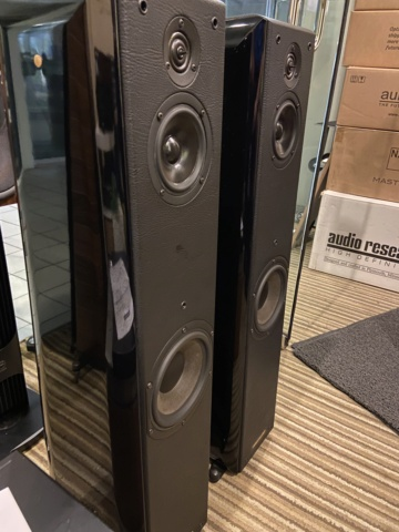 Sold - Sonus Faber Toy Tower floorstand speakers (Used) Ea51a310