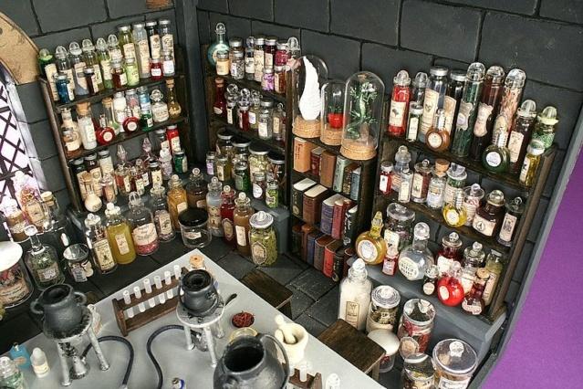 Tobacco jars organized! 914b4c10